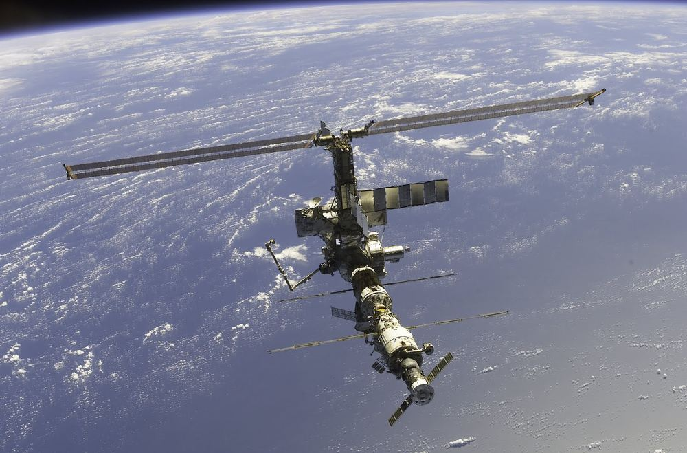 Международная Космическая Станция 2002 г.