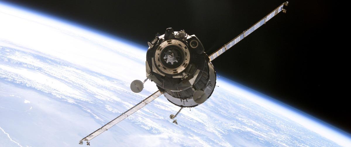 """Союз"" провел последний маневр перед стыковкой с МКС"