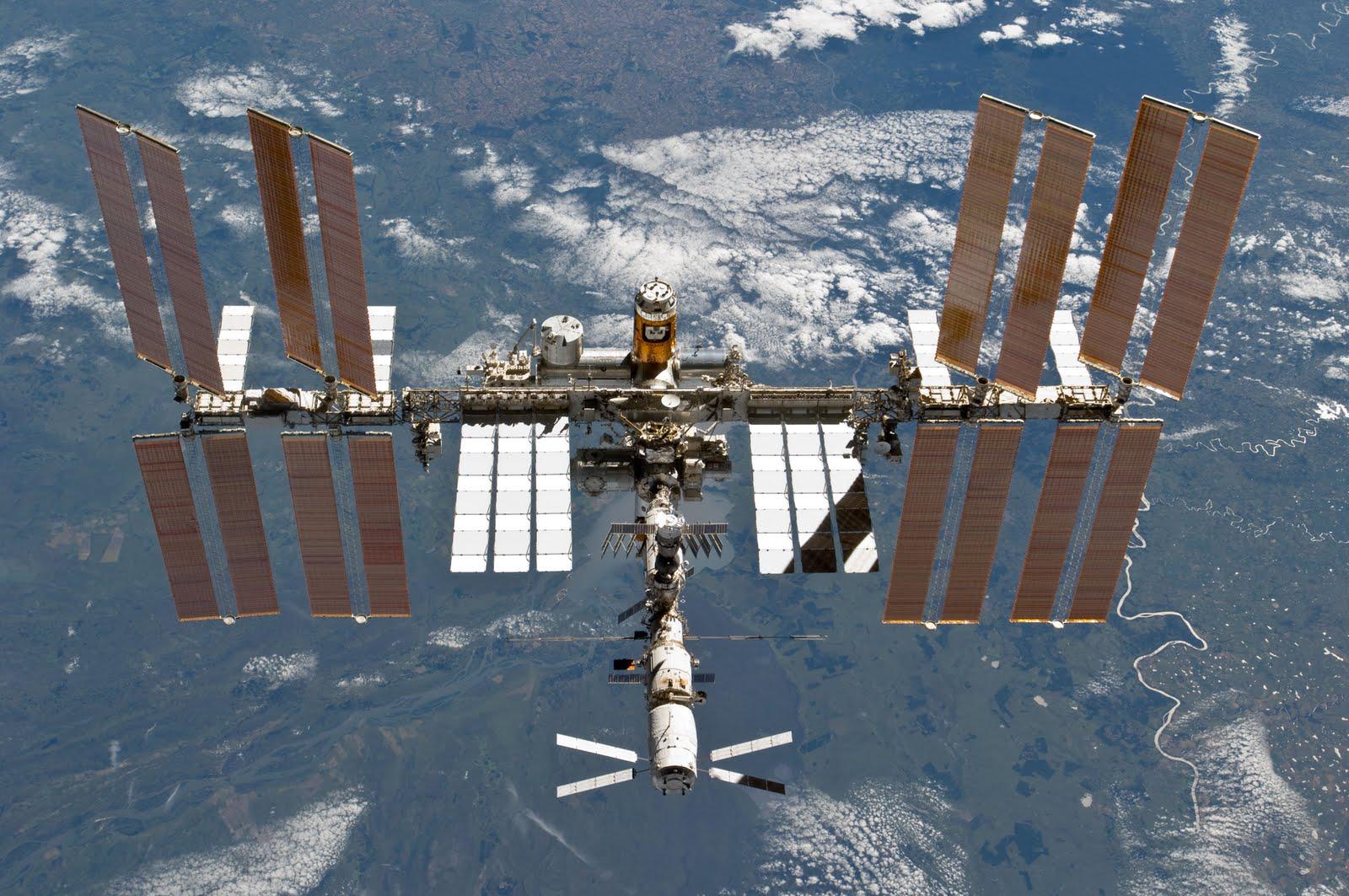 Международная космическая станция 2011 год