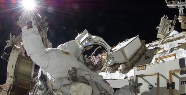 Экипаж МКС совершит выход в открытый космос для замены вышедшего из строя компьютера