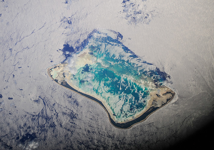 The Island in silver Water - Maiana Atoll