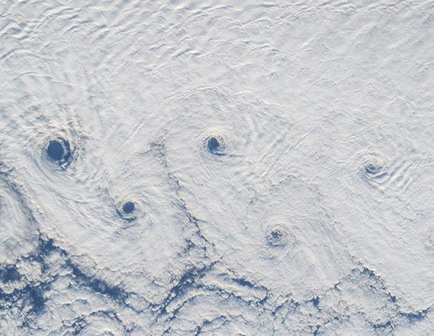 Ocean's Olympic rings