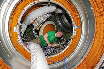 14 июня. Подготовка к Выходу в космос