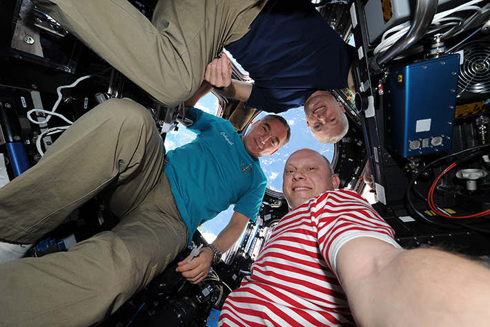 Space Selfie from Oleg Artemyev, Alexander Skvortsov and Steven Swanson