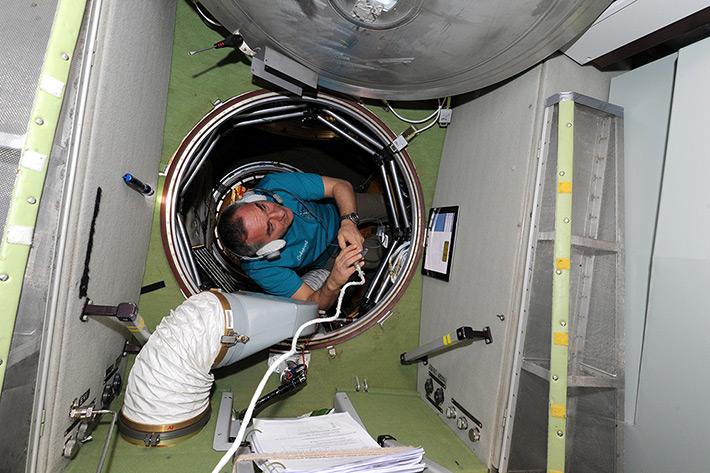 Alexander Skvortsov works with a gas analyzer