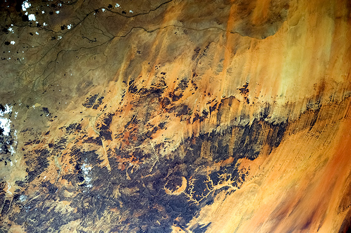 Paints of Africa - Gweni-Fada Crater, Chad