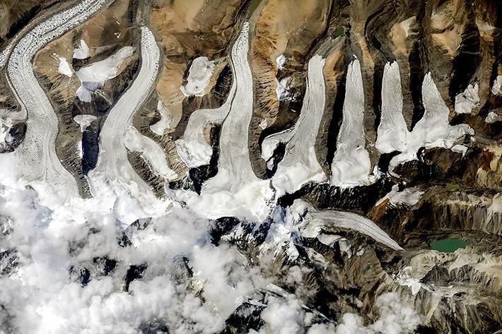 Гребешок из ледников рядом с Лабуче Канг