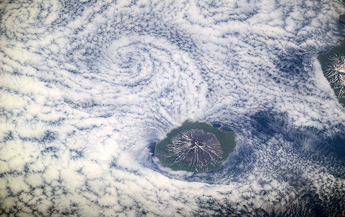 Вулкан Алаид на острове Атласова Большой Курильской гряды