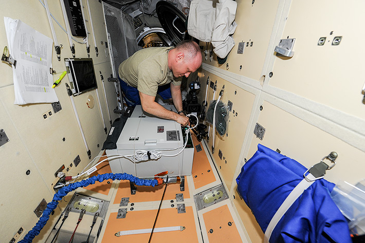 Work on the ISS. TBU-V Thermostat Installation
