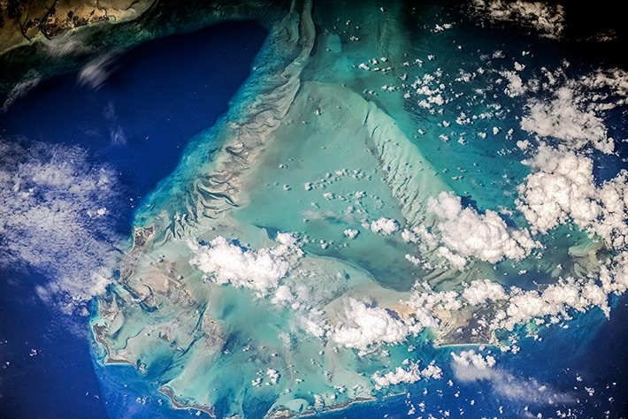 Earth Paints - The Bahamas. Barry Islands