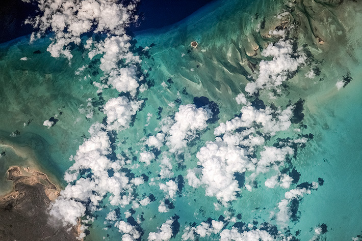 Earth Paints - The Bahamas