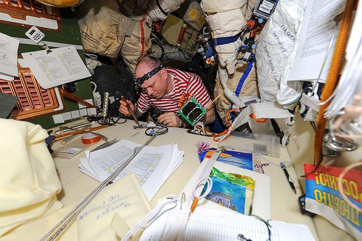 Подготовка к Выходу в космос (ВКД-39)