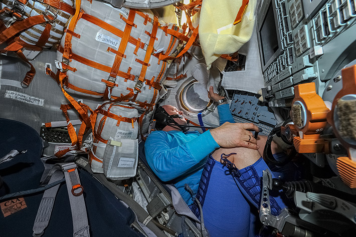 One more Fit Check in Kazbek couch (Soyuz 712)