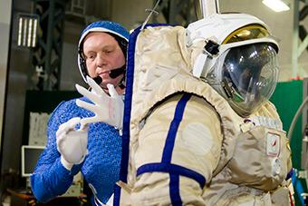 Космонавт МКС-39/40 Олег Артемьев принял участие в послеполётных научных экспериментах