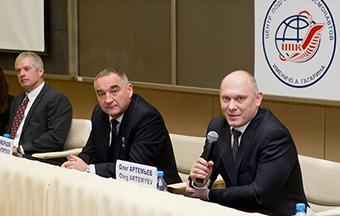 Пресс-конференция с участием экипажа 39/40-й длительной экспедиции на МКС