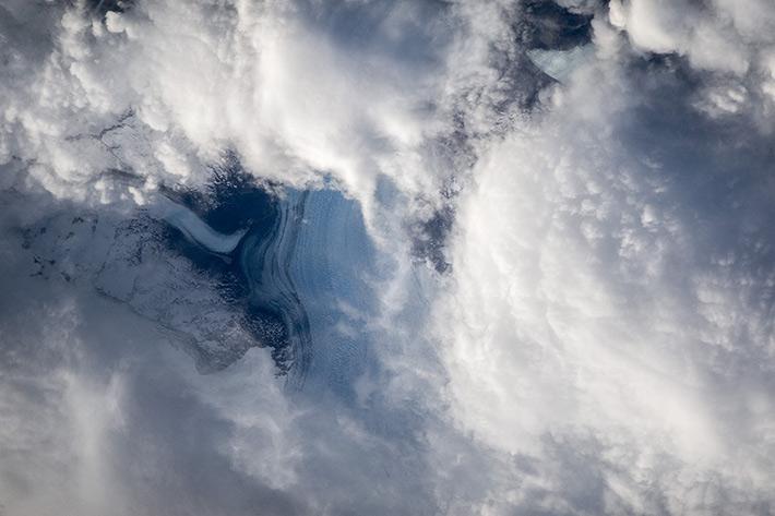 Ледники Южной Америки под облаками