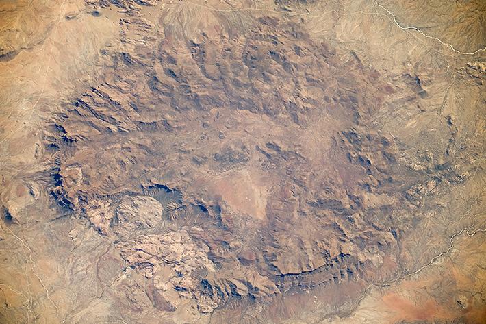 Краски Земли - Африка, горный массив в Намибийской пустыне