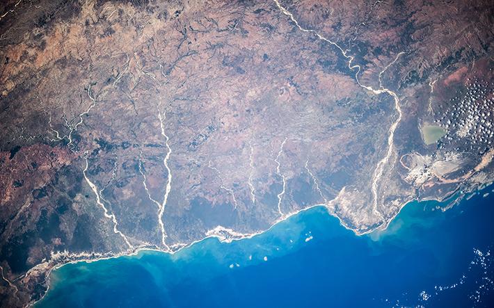 Юго-Запад Мадагаскара. Дельта реки Мангуки и озеро Ихутри