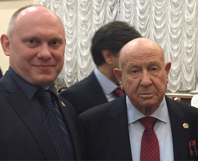 Горжусь,что имею честь поздравить Алексея Архиповича Леонова с юбилеем выхода в открытый космос! Желаю ему здоровья,неиссякаемой энергии и долгих лет жизни.