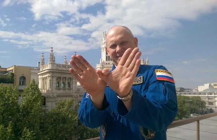 El cosmonauta Oleg Artemyev: en la estación espacial muy rara vez se habla de política