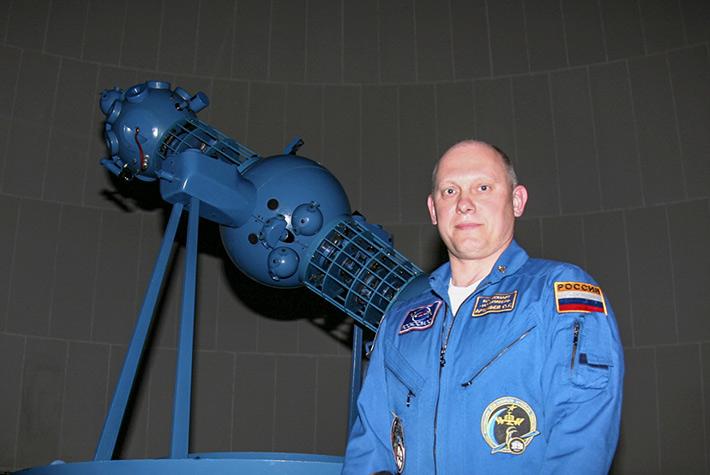 «Неделя Космоса» в Мадриде, посвященная 50-летию со дня первого выхода человека в открытый космос и 80-летию космонавта Г.С.Титова