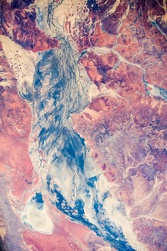 Earth Paints. Central Australia