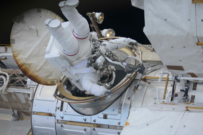 Выход в космос (ВКД) американского экипажа (Эндрю Фойстел и Ричард Арнольд (NASA)) 29 марта 2018 г.